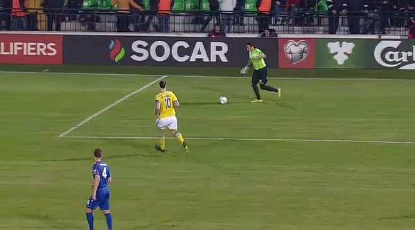 Zlatan Ibrahimovic scores bizarre goal for Sweden [VIDEO]