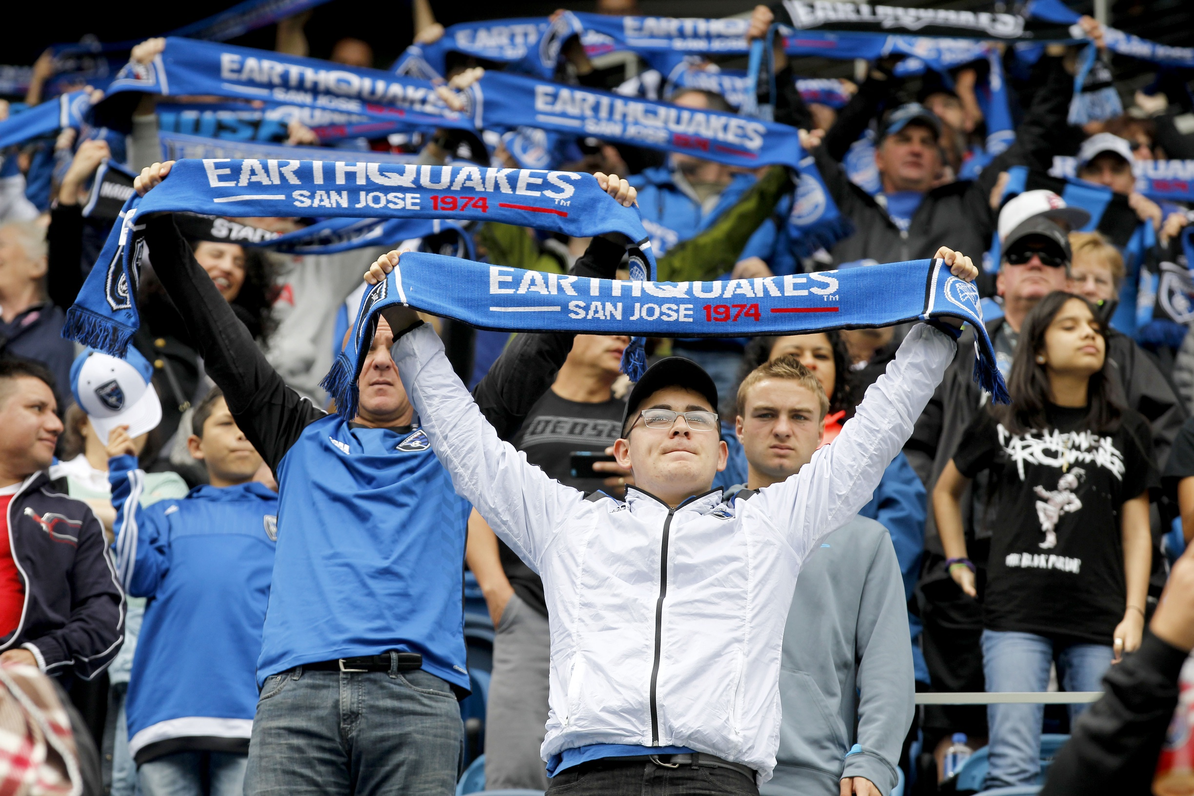 san-jose-earthquakes-fans
