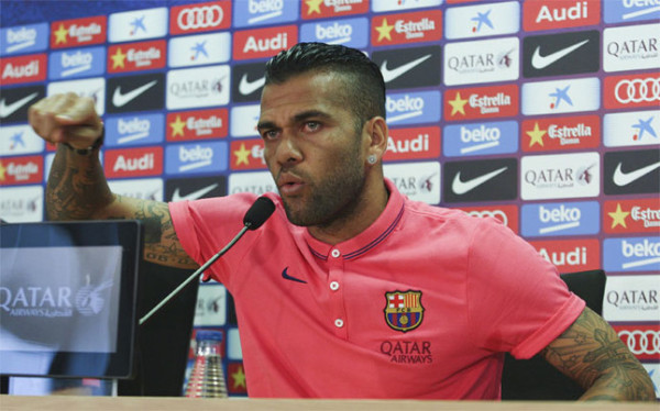 Dani Alves will announce his future plans after the Champions League final
