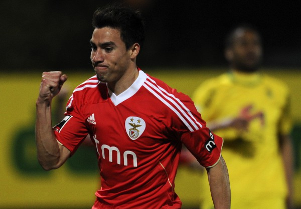 Manchester United agree £21 million deal for Benfica's Nicolas Gaitan, says report