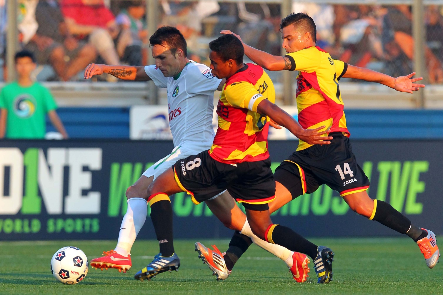 new-york-cosmos-ft-lauderdale-strikers