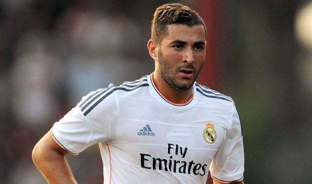 Karim Benzema would be the key signing to Arsenal's Premier League title challenge