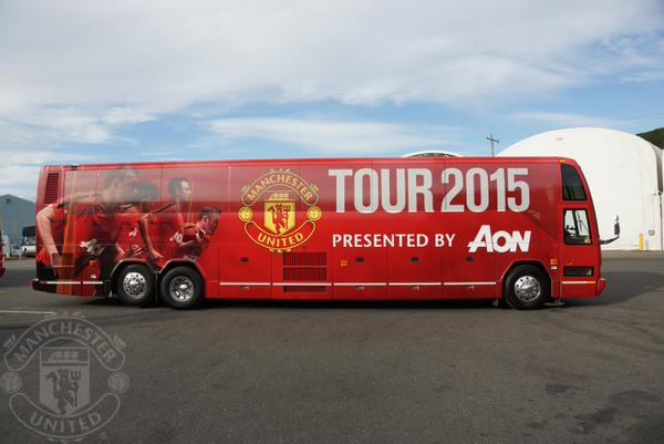 manchester-united-tour-bus
