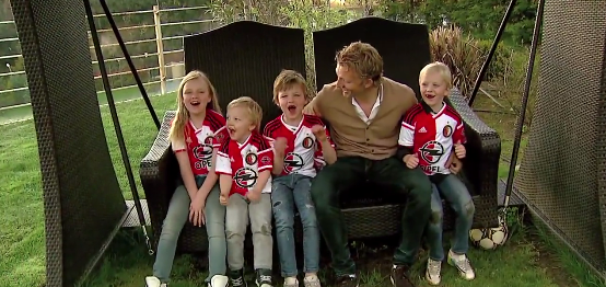 Dirk Kuyt's kids have priceless reaction to Feyenoord return