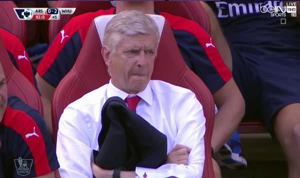 Criticism focuses on Wenger's choices after Arsenal's loss to Olympiacos
