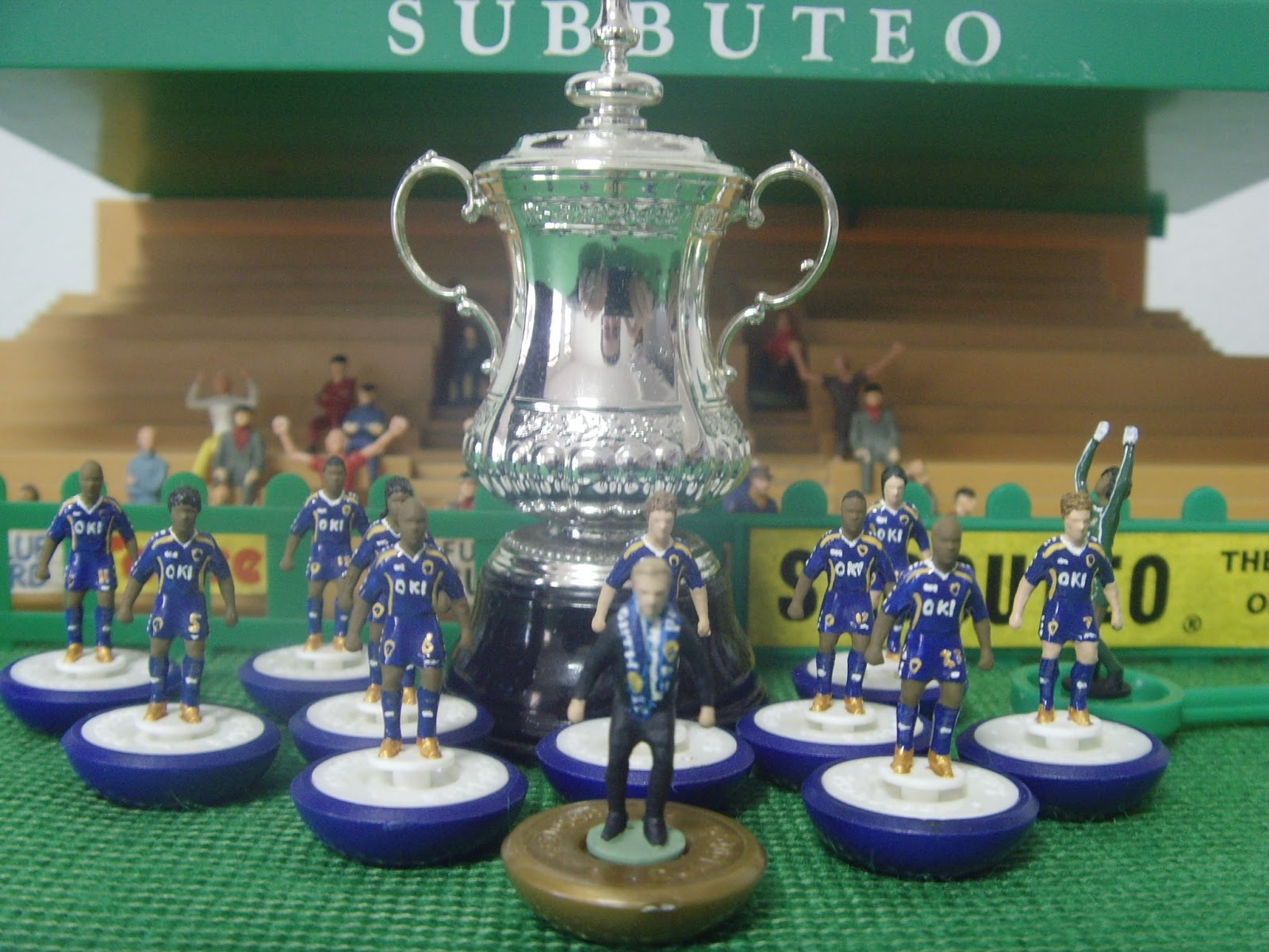 fa-cup-trophy-subbuteo
