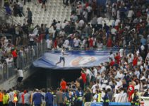 russia-hooligans-attack-england-fans
