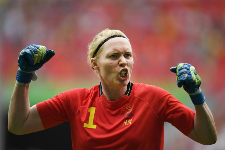 Defending US women's football team outsted