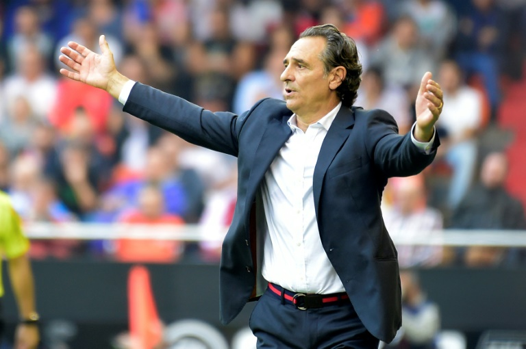 Cesare Prandelli: Valencia manager quits after 10 games