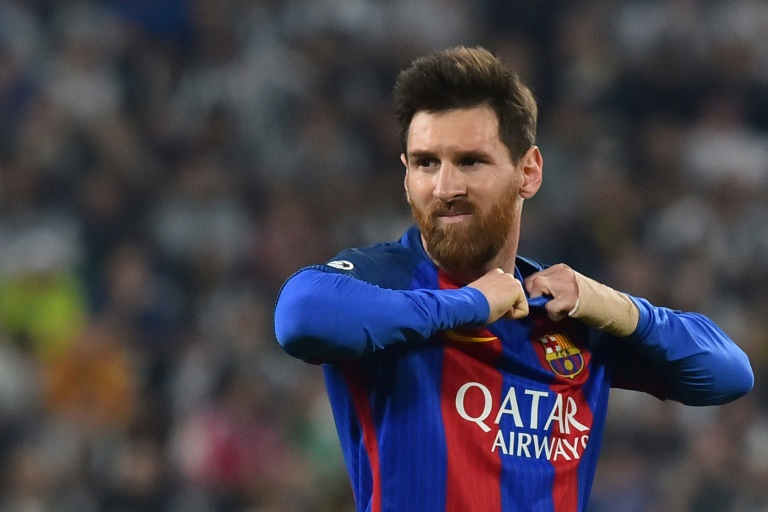 Lionel Messi Commits To Barcelona Until 2021 World
