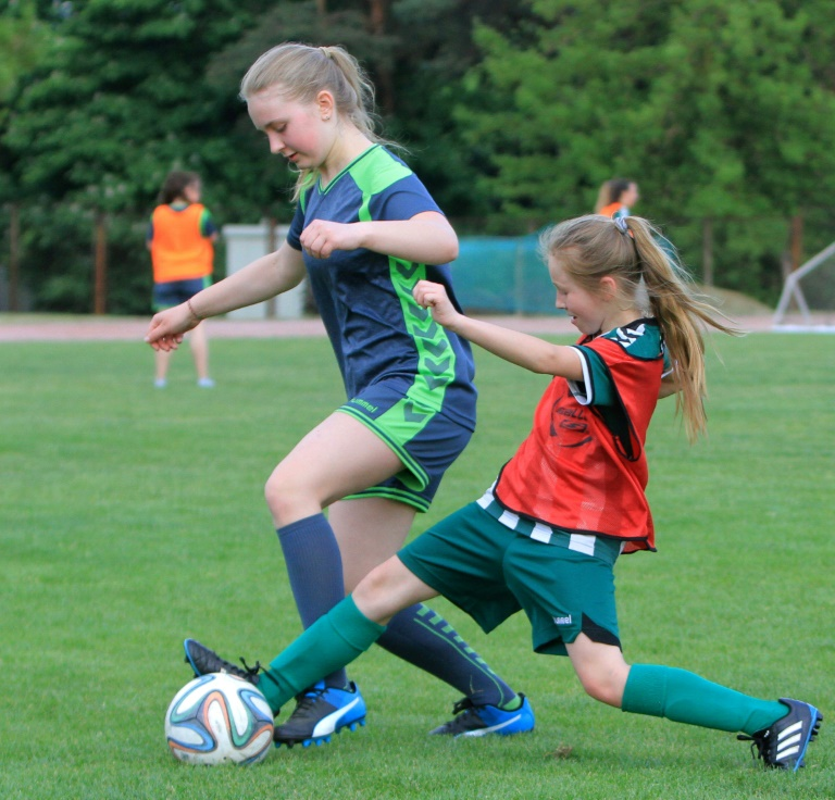 Lithuanian girl, 10, takes women's football by storm - World