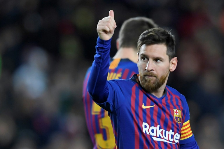 Messi scores 400th La Liga goal to send Barca five points